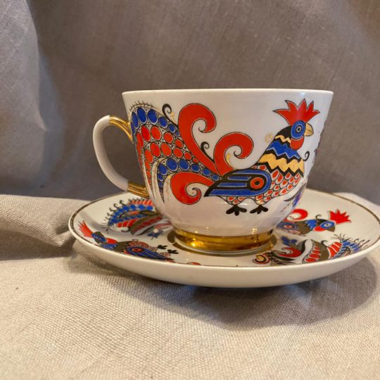 Souvenir dishes and cups