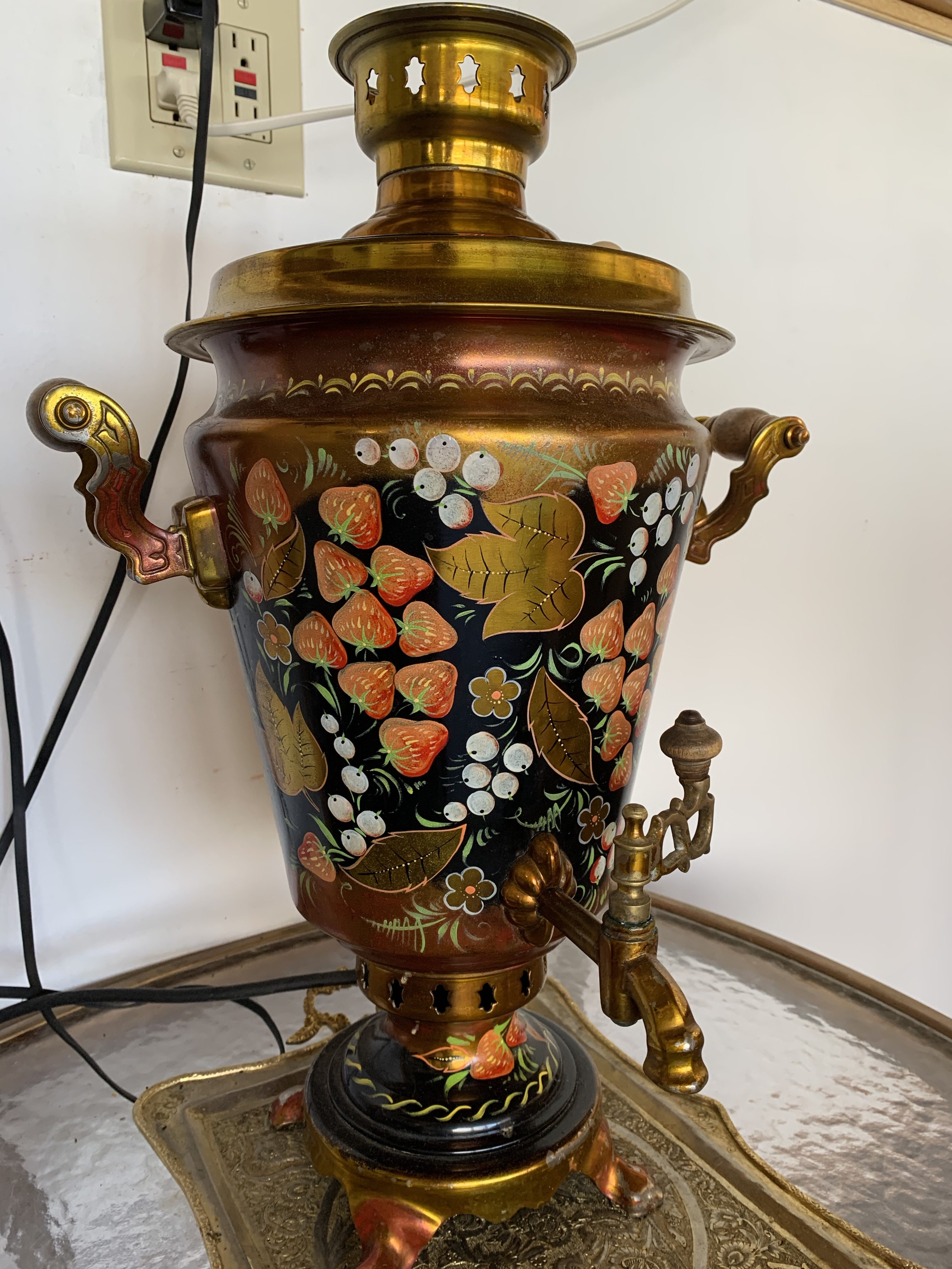 Large Electrical Samovar, traditional but convenient
